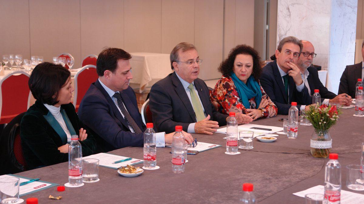 El Consejero de Fomento presenta la UNAI Inmobiliaria a la Junta Directiva de APIRM