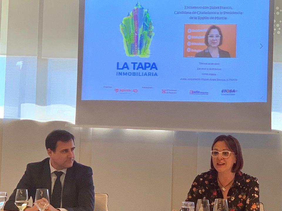 Isabel Franco muestra su apoyo al sector en la Tapa Inmobiliaria