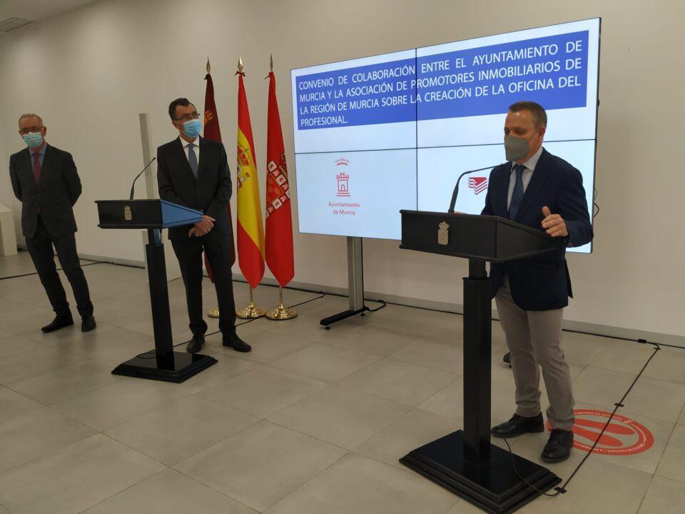 APIRM y el Ayuntamiento de Murcia firman un convenio que agilizará las licencias municipales